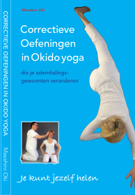 Correctieve oefeningen in Okido yoga